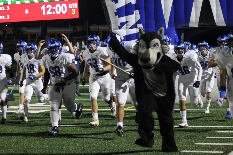 Plano+West+runs+out+of+the+tunnel+against+Plano+Senior+on+Friday%2C+September+28%2C+2018+at+Clark+Stadium.