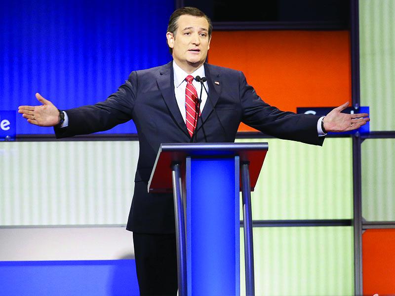Senator+Ted+Cruz+%28R-TX%29+giving+a+speech.